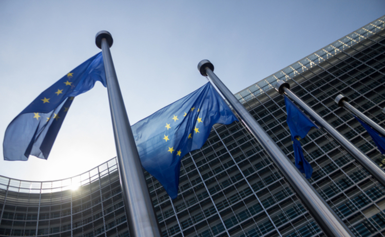 european commission is overhauling structured products regulation